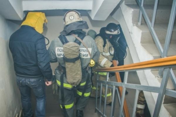 В Смоленске на Нахимова из-за пожара в подвале эвакуировали жильцов многоэтажки