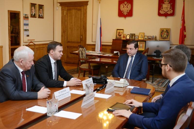 Губернатор Алексей Островский провел рабочую встречу с депутатом ГД Юрием Афониным