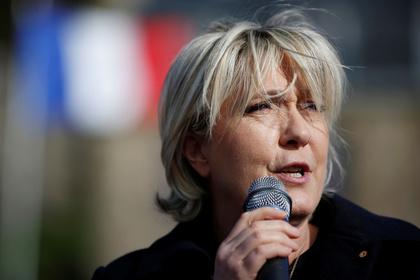 В Европарламенте проголосовали за лишение Ле Пен неприкосновенности