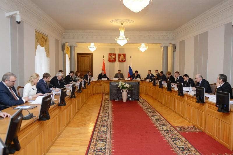 В администрации Смоленской области прошло заседание комиссии Парламентского Собрания по законодательству и Регламенту