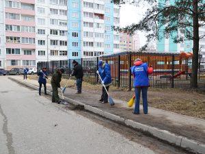 В Смоленске в Заднепровье прошел субботник