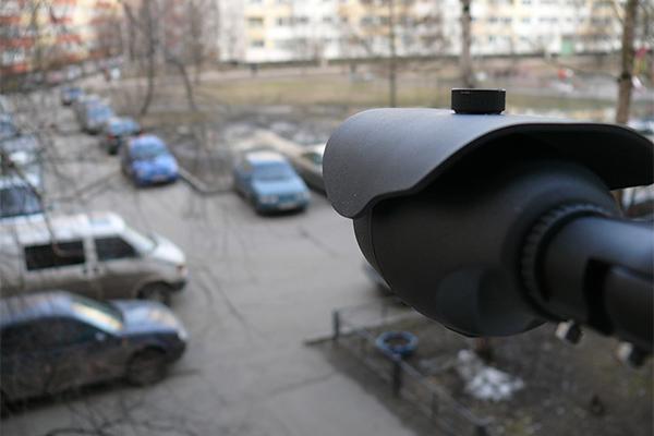 В Смоленске во дворах начали устанавливать камеры
