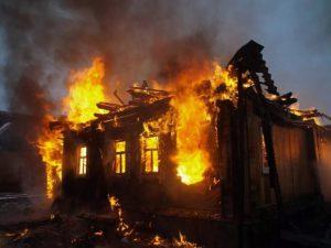 В Смоленской области дотла сгорел жилой дом