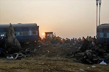 Девять человек госпитализированы после взрыва в индийском поезде