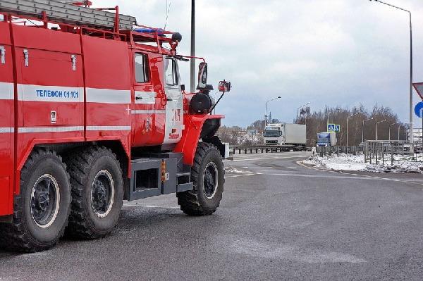 В Смоленском районе на трассе Москва-Минск загорелся большегруз «МАН»