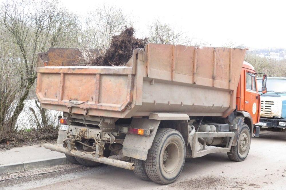 Соборный холм в Смоленске избавили от мусора