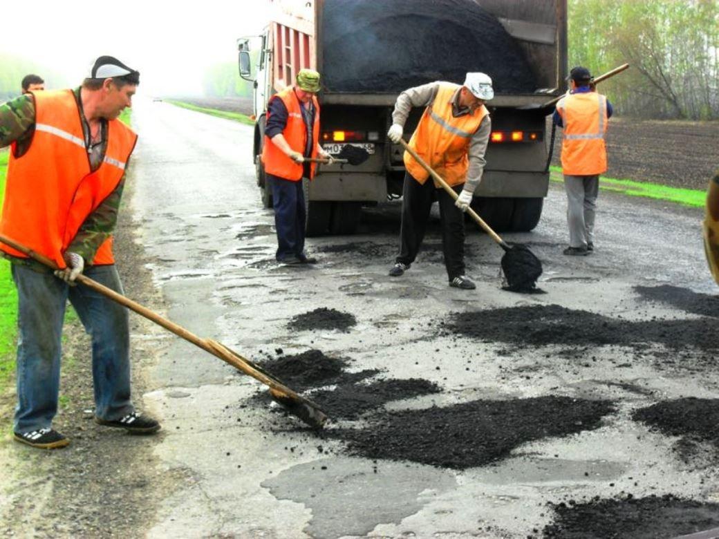 «Автодор» ведет аварийный ямочный ремонт в Смоленске