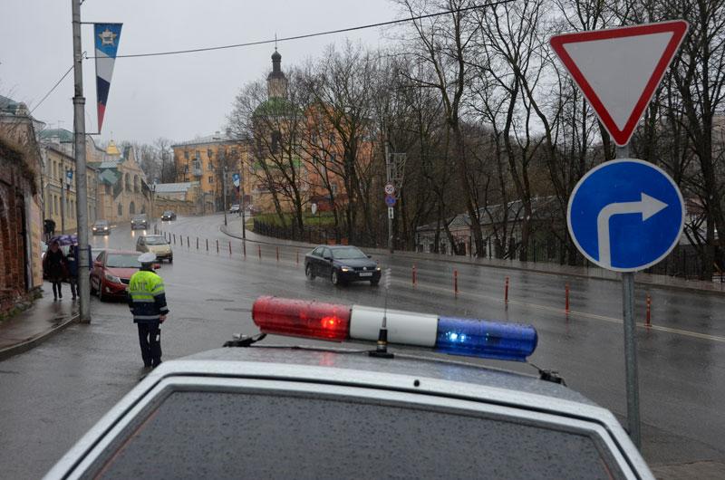 В ГИБДД опровергли информацию об эвакуации машин в Смоленске во время пасхального богослужения