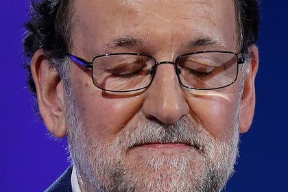 Премьер-министр Мариано Рахой Испании вызван в суд по делу о коррупции