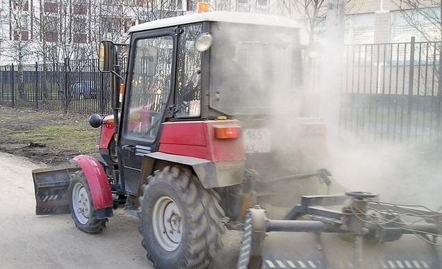 Глава Смоленска призвал ускорить работу по уборке города от пыли
