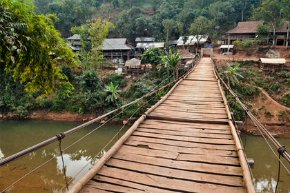 Жители вьетнамской деревни взяли в заложники 20 полицейских