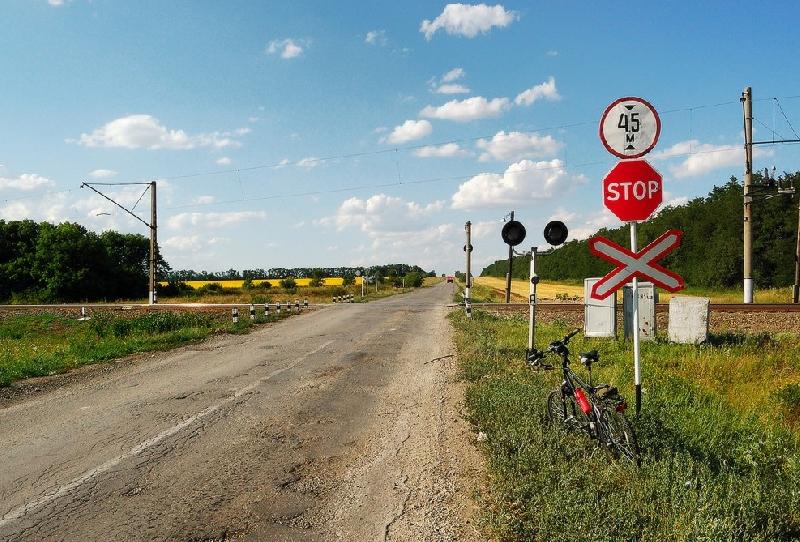В Кардымово на день закроют железнодорожный переезд