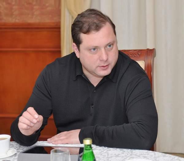 Алексей Островский выступит в прямом эфире радиостанции «Вести FM»