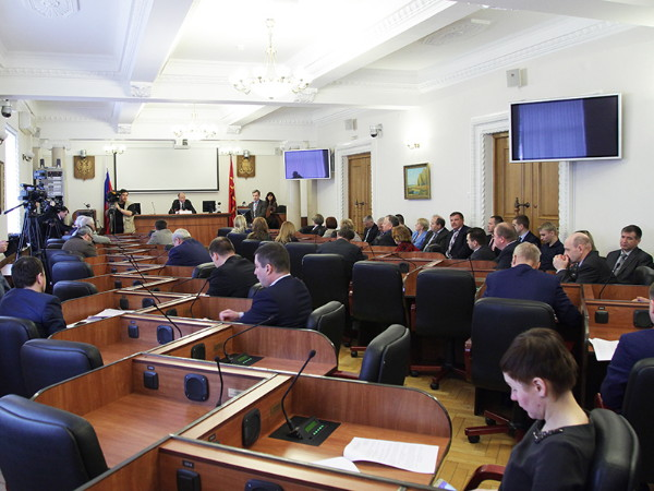 Администрация Смоленской области отчиталась перед депутатами