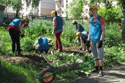 В Смоленской области во время летних каникул трудоустроят свыше трех тысяч школьников