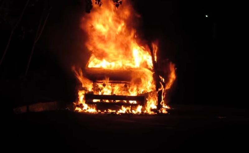 В Вязьме ночью горела Toyota Land Cruiser