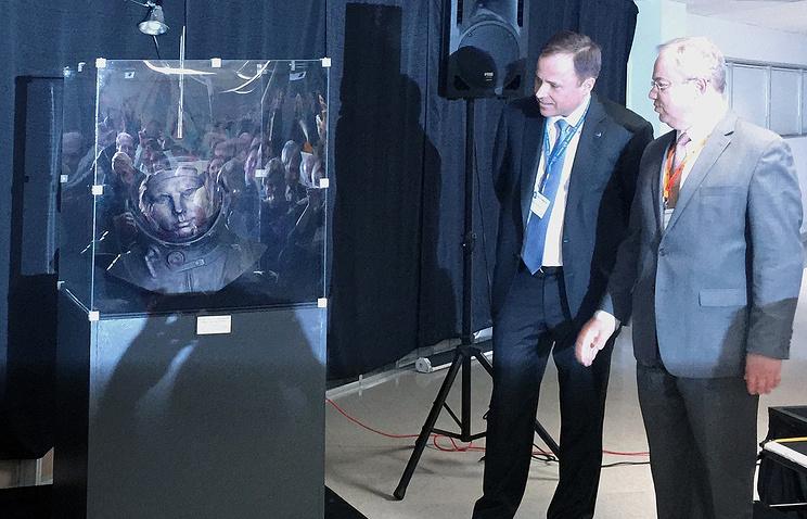 В США установили бюст Юрия Гагарина