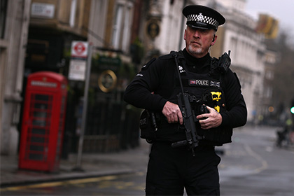 В Британии арестованы девять человек за нападение на беженца-подростка