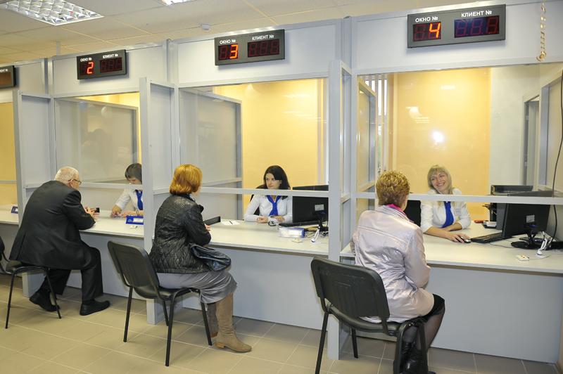 Смоляне стали активнее пользоваться возможностями МФЦ и региональным порталом госуслуг