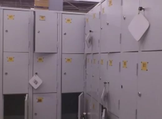 Смолянин украл женские вещи и ячейки гипермаркета