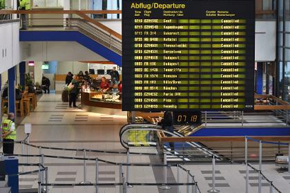 В берлинском аэропорту Шенефельд объявлена эвакуация пассажиров и персонала
