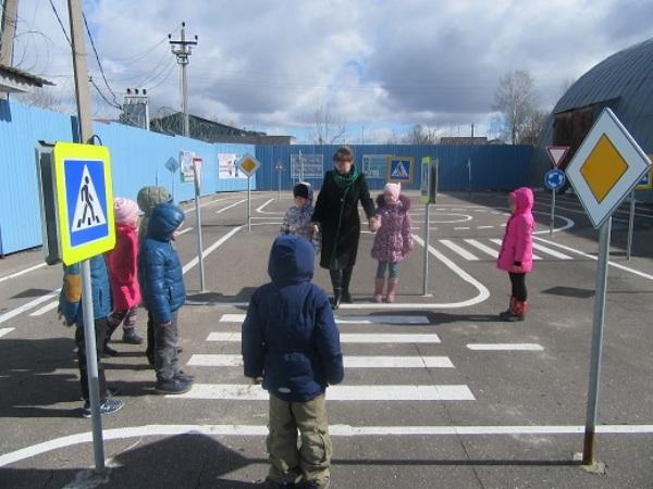 ГИБДД проводит экскурсии для смоленских школьников