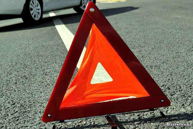 В Смоленской области на трассе М1 иномарка врезалась в фуру: пострадал человек