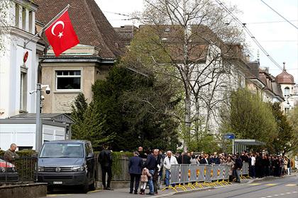 Вандалы в Цюрихе призвали к убийству президента Турции