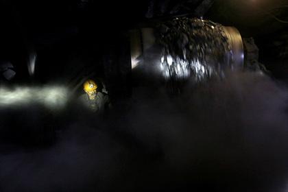 Более 50 горняков заблокировало в шахте в Иране