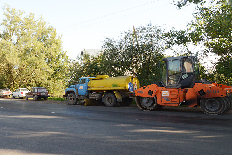 В Смоленской области на содержание и ремонт дорог выделено более 5 млрд рублей