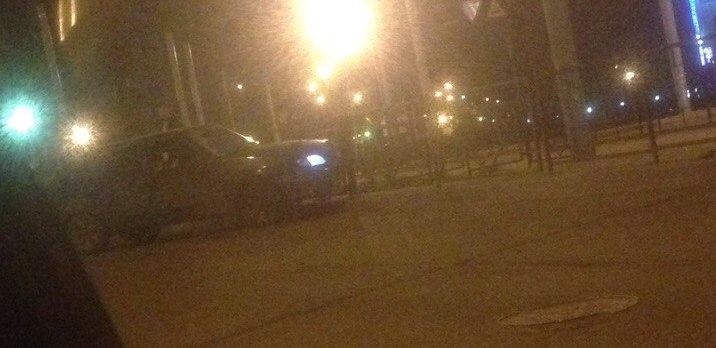 В Смоленске на проспекте Строителей автомобилист снес забор
