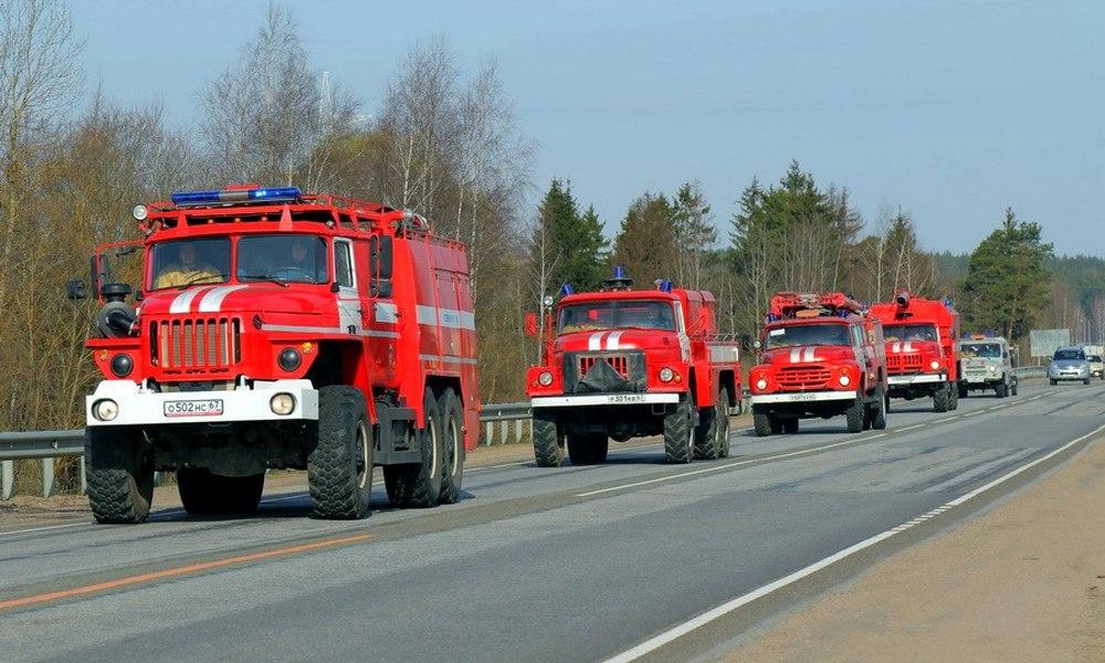 В Смоленском районе тушили пожар