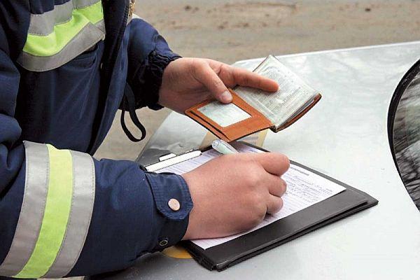 В понедельник смоленских водителей ждут «сплошные» проверки