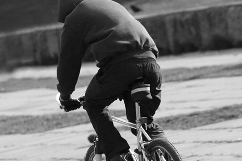 В Смоленске задержали грабителей на велосипедах