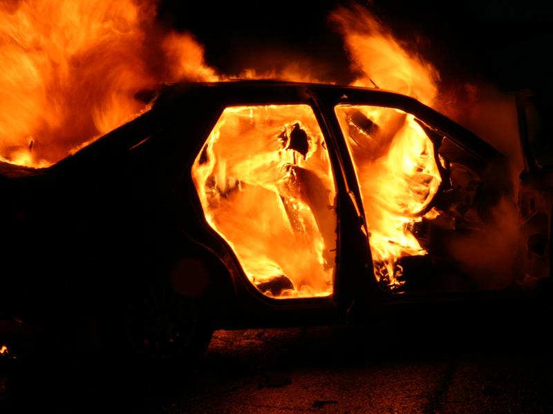 В Дорогобужском районе ночью сгорела иномарка