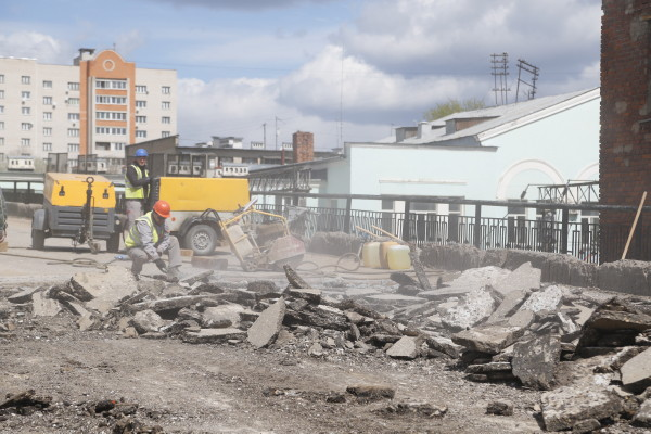 В Смоленске будут эвакуировать машины, припаркованные у Беляевского путепровода