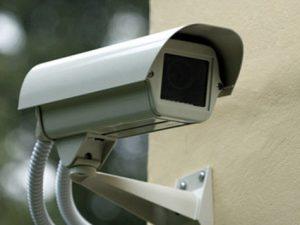В Смоленске на фасадах еще трех домов в Заднепровье установили видеокамеры