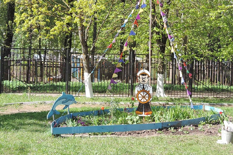 В Смоленске украсили школьные дворы