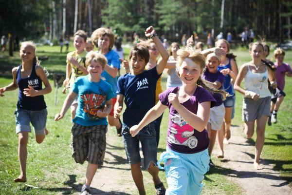 Более 46 тысяч юных смолян отдохнут в летних оздоровительных лагерях