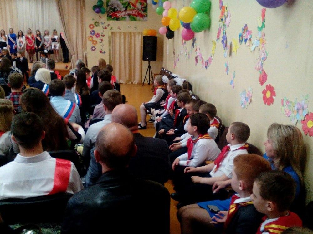 В Смоленской области проходят школьные «последние звонки»