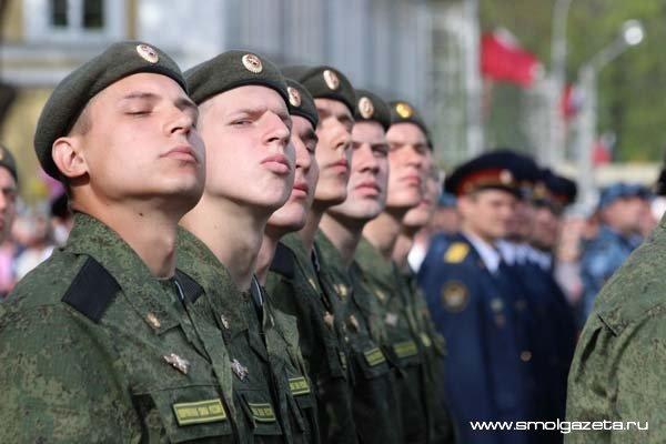 В Смоленской области в 2016 году собственным жильем обзавелись 204 семьи военных