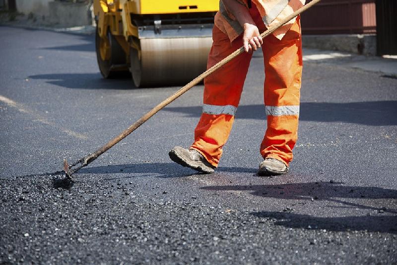 В Смоленске идет ямочный ремонт семи улиц