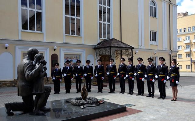 В Смоленске молодые полицейские приняли Присягу