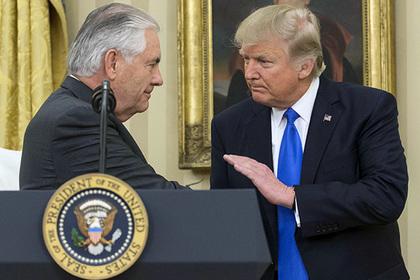 Трамп попросил Тиллерсона наладить отношения с Россией