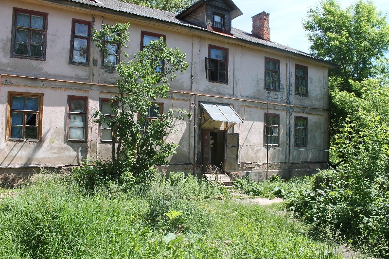 Активисты ОНФ добиваются переселения жильцов из ветхого дома в Смоленске