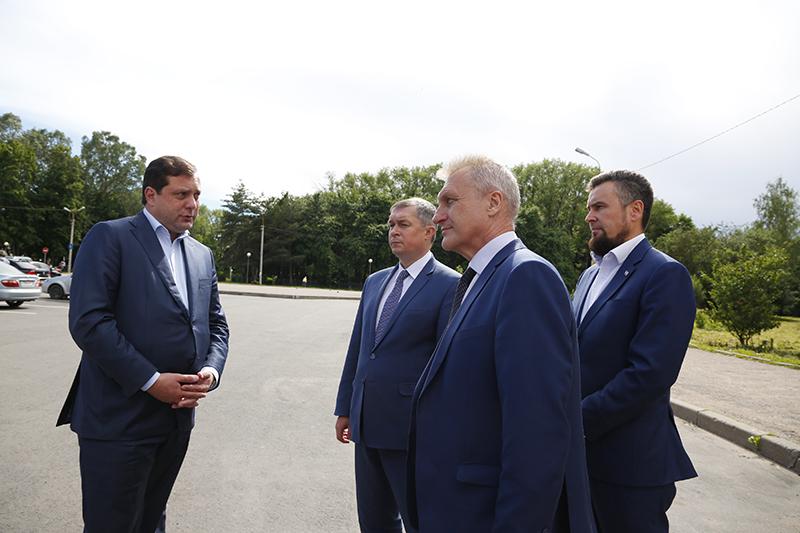 Губернатор Алексей Островский проинспектировал ход ремонта дорог в Смоленске