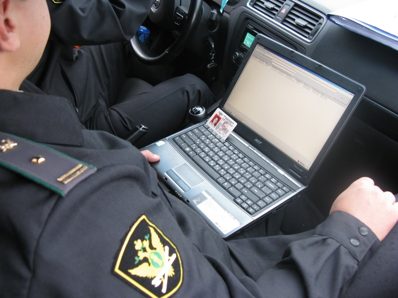 Со смоленских водителей-должников удалось взыскать 86 тысяч рублей
