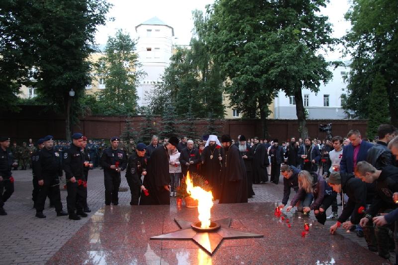 В Смоленске прошла акция «Свеча Памяти»