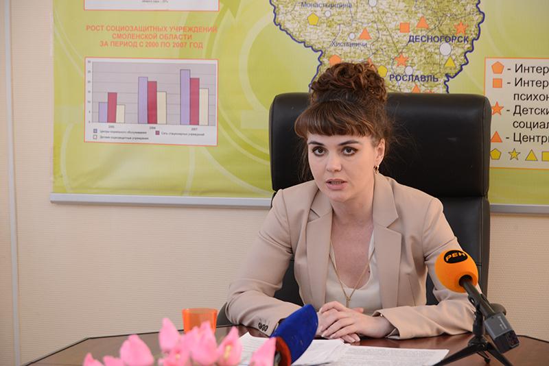 Экс-начальника департамента Смоленской области по соцразвитию, получившую четыре года условно, исключили из «Единой России»