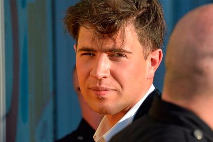 Обнаживший зад на «Евровидении» Седюк пожаловался в полицию на советника Авакова